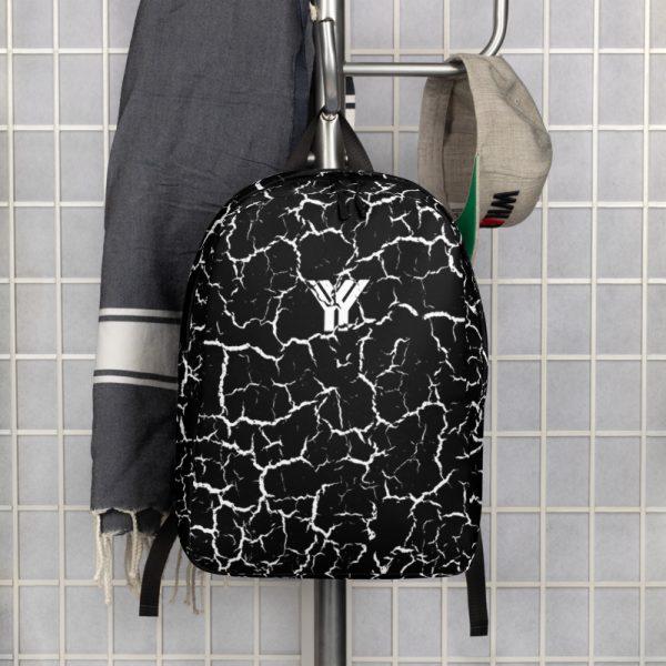 antony yorck rucksack craquelee schwarz logo weiss extra fach laptop notebook 15 zoll plus geheimfach wasserfest ansicht vorderseite garderobe