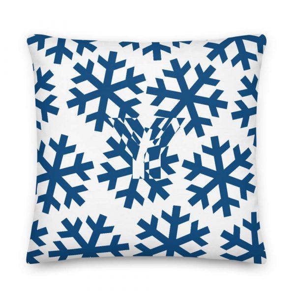 Premium Kissen Schneeflocke blau auf weiß 5 mockup 68ca7e9c