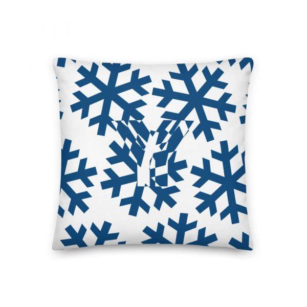 Premium Kissen Schneeflocke blau auf weiß 1 mockup 8b4836ed