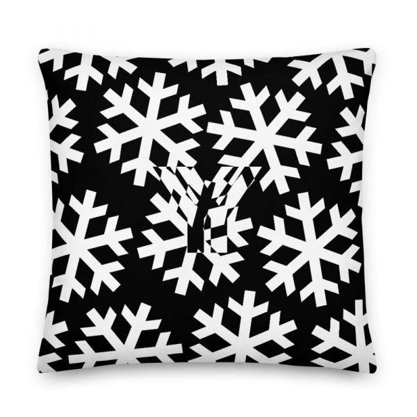 Sofakissen Schneeflocke weiß auf schwarz 5 mockup b852a662