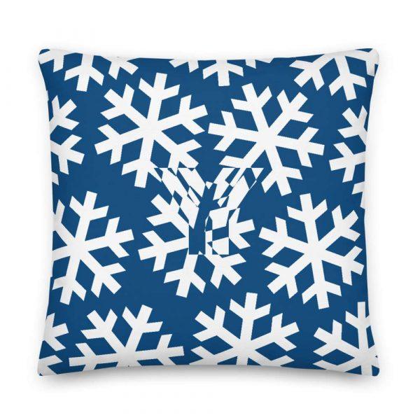 Sofakissen Schneeflocke weiß auf blau 5 mockup d655881e