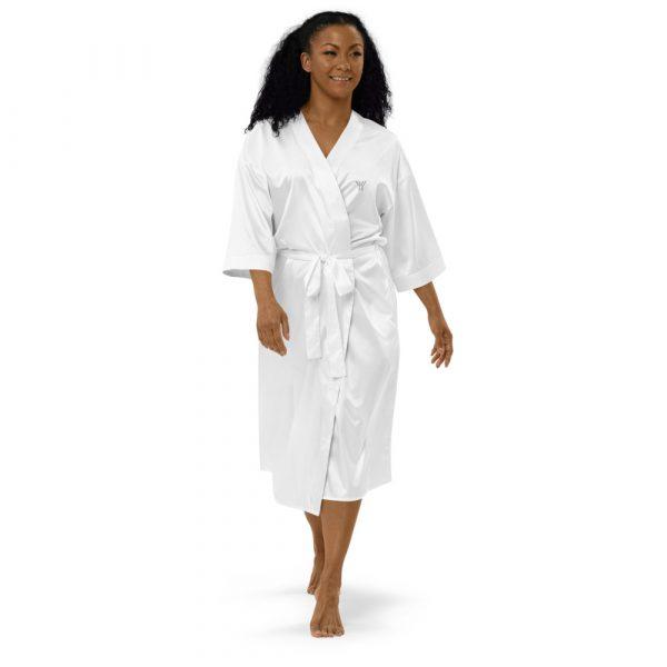 Bademantel-satin-robe-white-front-615ae6a6c4210.jpg