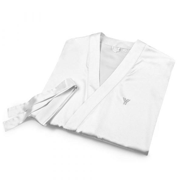 Bademantel-satin-robe-white-front-615ae6a6c5a2b.jpg
